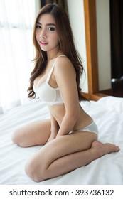 Nude older milf pics