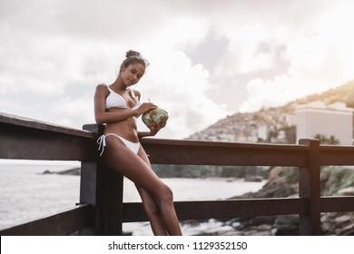 Ebony teen coco