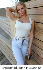 kardashians lick pussy porno