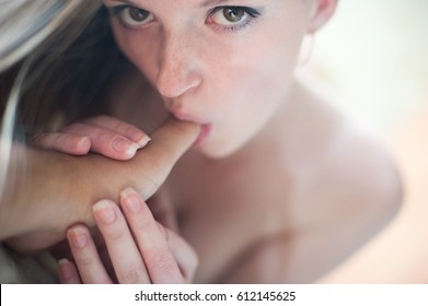 young sexy girl mens erotic sucking finger