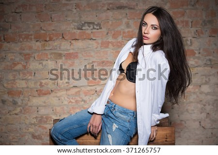 5dc52d7068f3c Young Sexy Lady Wearing Black Bra Stock Photo (Edit Now) 371265757 ...
