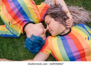 Gay teen kiss