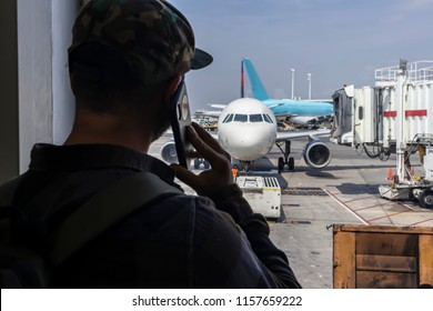 A young traveler calls law enforcement after seeing something suspicious at an international airport.