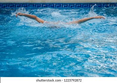 Three Lesbians Cat Fight In Pool