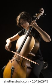 Young woman cellist