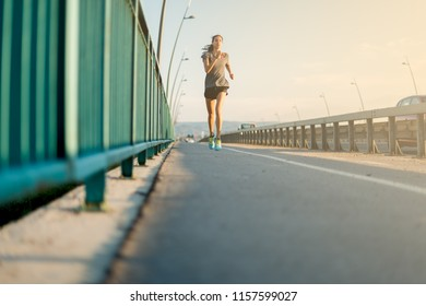 Young woman jogging in the afternoon