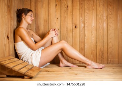 Naked hotties gettin fuckeed