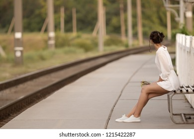 Royalty Free Waiting For Someone Images Stock Photos Vectors