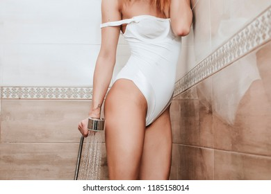Hot Babe In The Shower