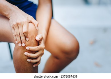 young women knee ache, healthcare concept