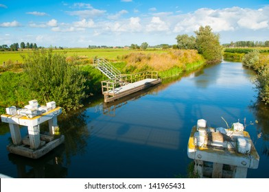 The Yser is a river that originates in French Flanders enters the Belgian province of West Flanders and flows into the North Sea at the town of Nieuwpoort.