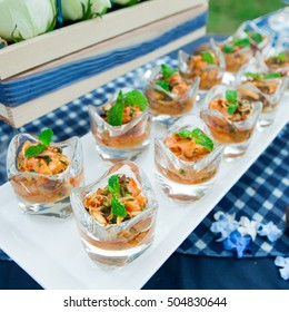 Yum canned cocktail  wedding in the party