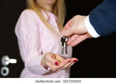 R?ce z kluczami