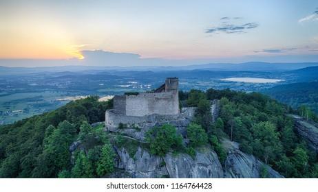 Zachod slonca w gorach, widok z powietrza, Sunset in the mountains - Shutterstock ID 1164764428