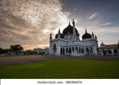 The Zahir Mosque is Kedah's state mosque with sunset as a background.It is one of the grandest and oldest mosques in Malaysia,built in 1912.