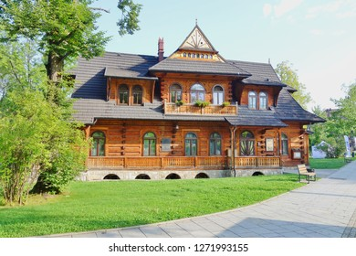 ZAKOPANE, POLAND, AUGUST 27 2017; Streets in the city of Zakopane.Beautiful wooden architecture in Zakopane
