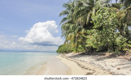 Zapatilla island of Panama
