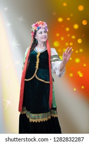 Zaporozhye wife of the Cossack dances on a holiday