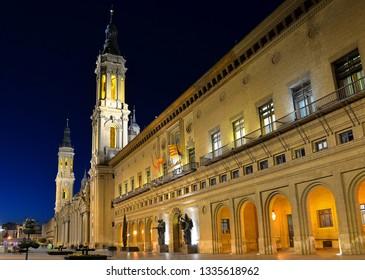 Zaragoza cathedral at night