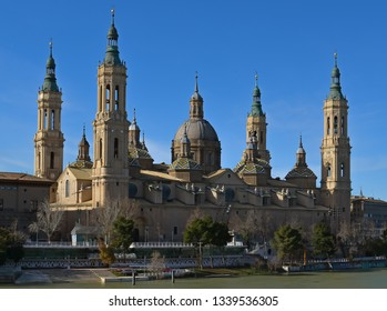 Zaragoza Cathedral-Basilica of Our Lady of the Pillar shot from the Lion Bridge.
