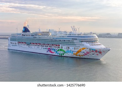 Zeebrugge, Belgium; 24th May 2019; Norwegian Cruise Line Ship, Norwegian Pearl Arriving at the Port of Zeebrugge in the Early Morning