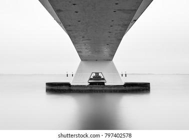 Zeelandbrug in black and white
