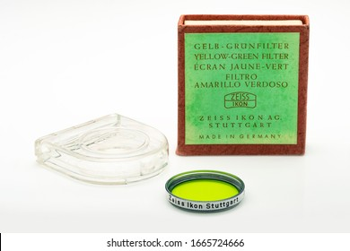 Zeiss Ikon Stuttgart Yellow Green Photographic Lens Filter S27 352: Plymouth Devon UK March 2nd 2020: Including Original Packaging, Detailed Shot of Carl Zeiss Lens Filter. Shot on White Background