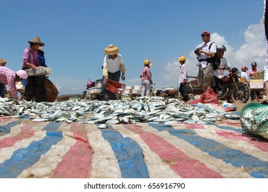 Zhanjiang, China, April 27, 2017, at the seaside Seine traditional fishermen sell fish.