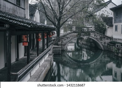 Zhouzhuang in the rain, China is a famous water town in the Suzhou area. There are many ancient towns in the south of the Yangtze River.