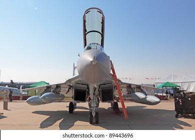 Fourth Generation Jet Fighter Images, Stock Photos & Vectors