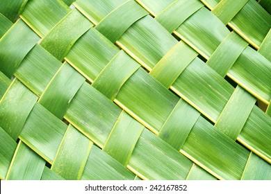 Zigzag interlocking of coconut leaves weave