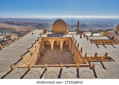 Zinciriye Medresesi(Sultan Isa Madrasa) and panorama of Mardin with, Artuklu, Mardin, Turkey