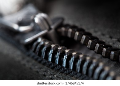 Zipper that is being closed