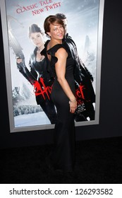"""Zoe Bell at the """"Hansel & Gretel Witch Hunters"""" Los Angeles Premiere, Chinese Theater, Hollywood, CA 01-24-13"""