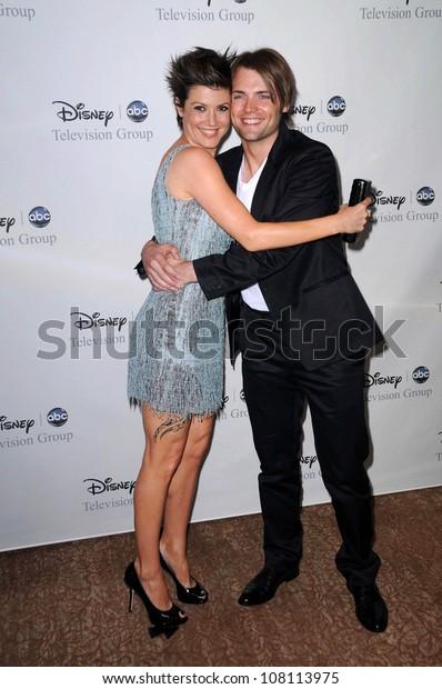 Zoe Mclellan Seth Gabel Disney Abcs Stock Photo Edit Now