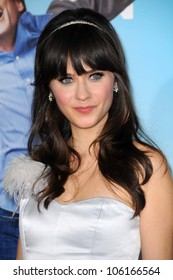 Zooey Deschanel   at the Los Angeles Premiere of 'Yes Man'. Mann VIllage Theater, Westwood, CA. 12-17-08