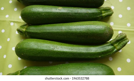 Zoom on courgette, spring 2021