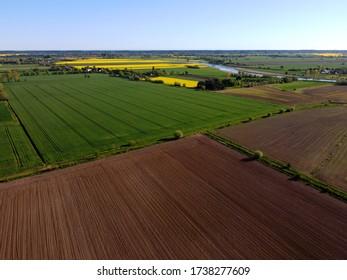 Zulawy Wislane im Frühling, Felder von oben
