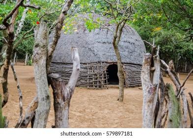 A Zulu hut in Dumazulu, traditional Zulu Village near to Hluhluwe, KwaZulu-Natal, Republic South Africa.