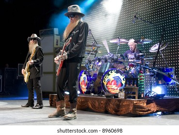 zz top - Dusty Hill, Billy Gibbons and Frank Beard