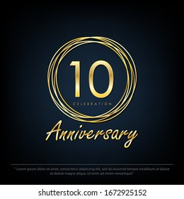 10th years anniversary celebration emblem. elegance golden anniversary logo with rings on black background, vector illustration