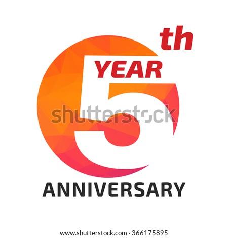 5th anniversary logo template circle form のベクター画像素材