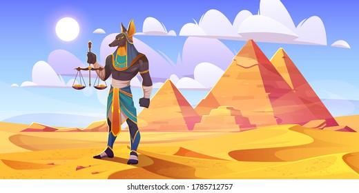 Anubis ägyptischer Gott, alte ägyptische Gottheit mit menschlichem Körper und Jackenkopf mit königlichen pharaoh königlichen Kleidung, die Waagen mit goldenen Münzen stehen in der Wüste mit Pyramiden, Cartoon Vektorgrafik