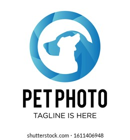 Blue aperture logo with dog Silhouette rings for pet photography business