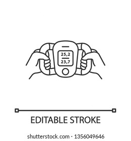 Body fat monitor linear icon. Portable composition analyzer. Visceral fat level, body mass index evaluation. Thin line illustration. Contour symbol. Vector isolated outline drawing. Editable stroke