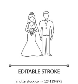Bride and bridegroom linear icon. Wedding ceremony.Thin line illustration. Newlywed. Just married couple. Fiance, fiancee. Wedding agency. Contour vector isolated outline drawing. Editable stroke