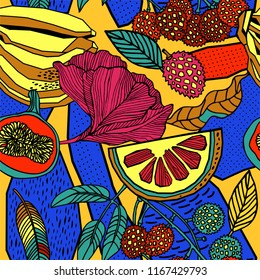 Bright seamless pattern of tropical leaves of palm trees, flowers and fruits.