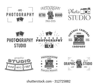 Camera logo. Vintage Photography Badges, Labels, dslr. Hipster design with  photographer elements. Retro style for photo studio, equipment store. Gadget Signs. Vector old photo icons.