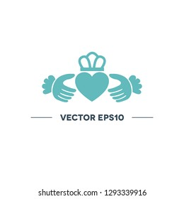 claddagh ring vector icon