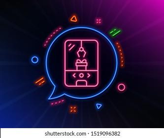 Crane claw machine line icon. Neon laser lights. Amusement park sign. Carousels symbol. Glow laser speech bubble. Neon lights chat bubble. Banner badge with crane claw machine icon. Vector